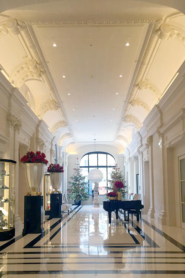 peninsula-paris-hallway