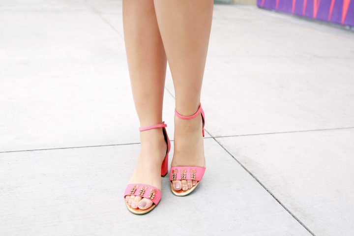 Fashion Blogger An Dyer wearing Talbots Pineapple Sandals