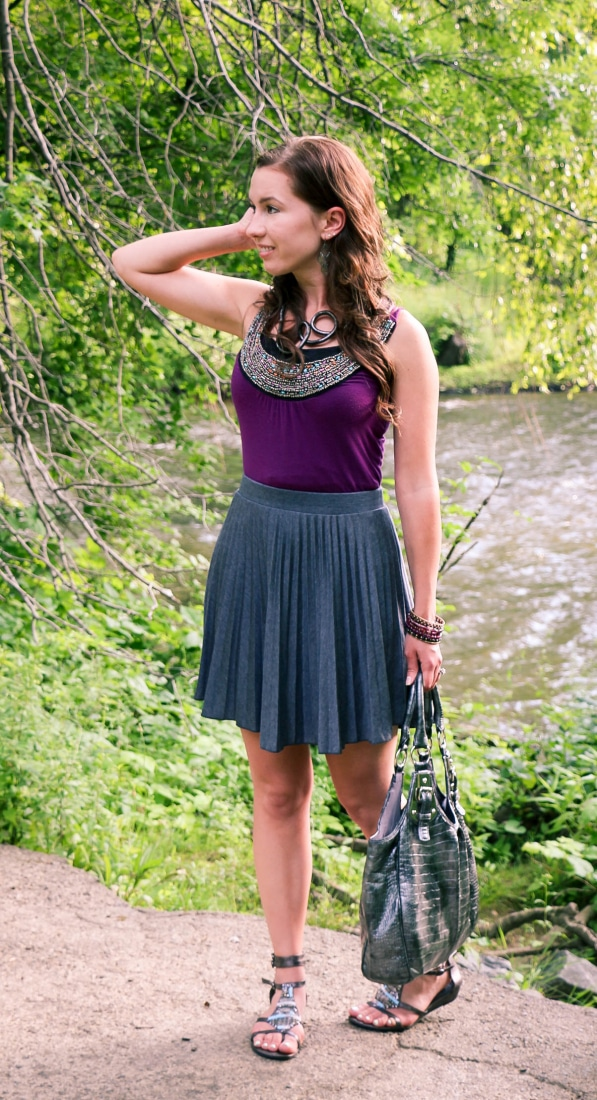 ModCloth skirt & bendable necklace