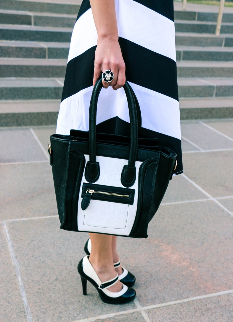 AMIClubwear purse