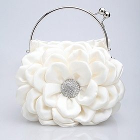 Flower clutch: Opentip.com
