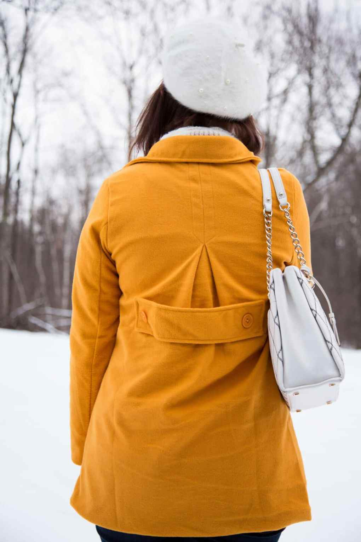 PopJulia Yellow Coat