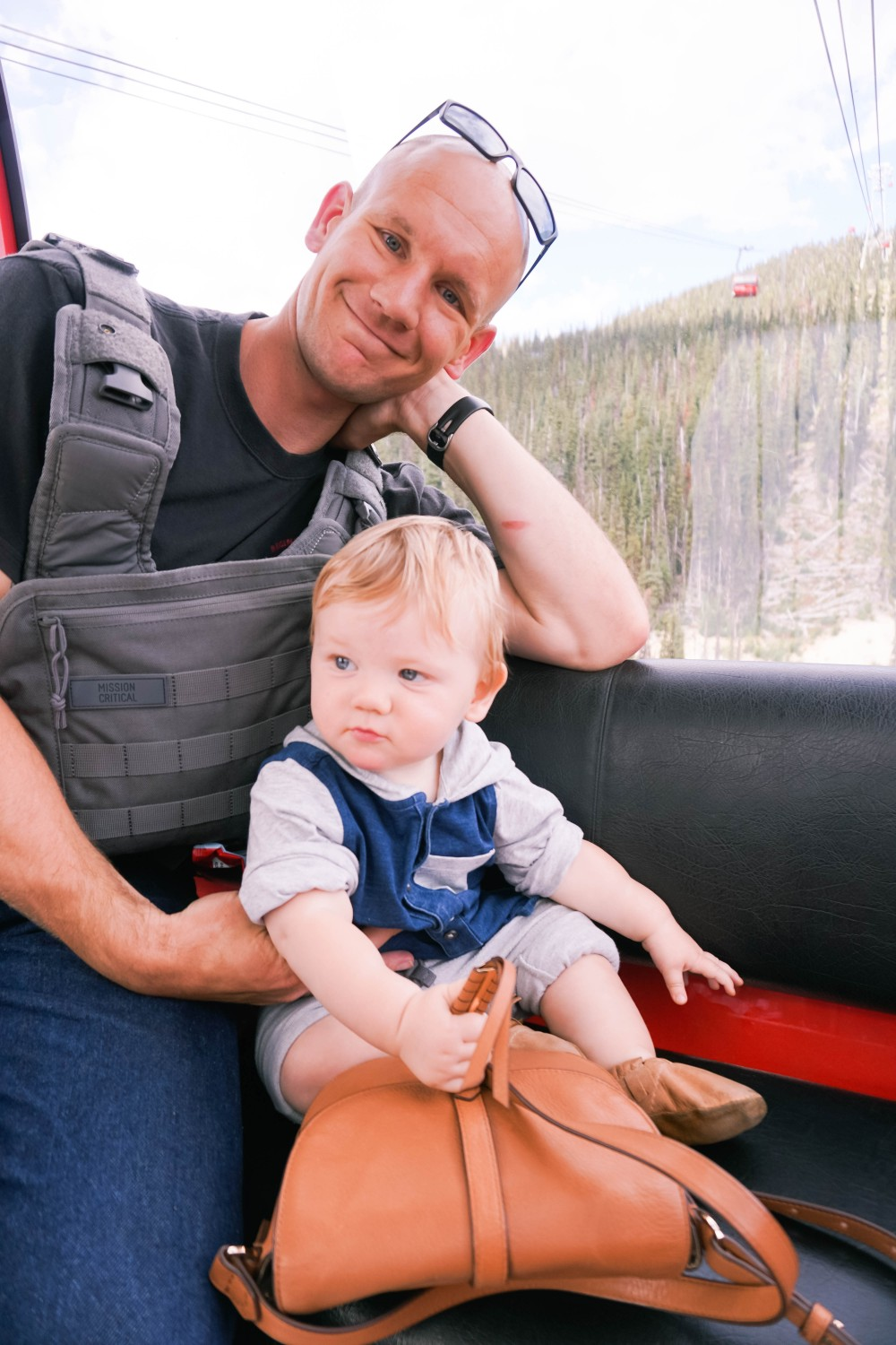 12 Tips for Traveling with a Baby-Flying Tips for Parents with Babies 8