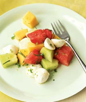 melon-mozzarella-salad_300
