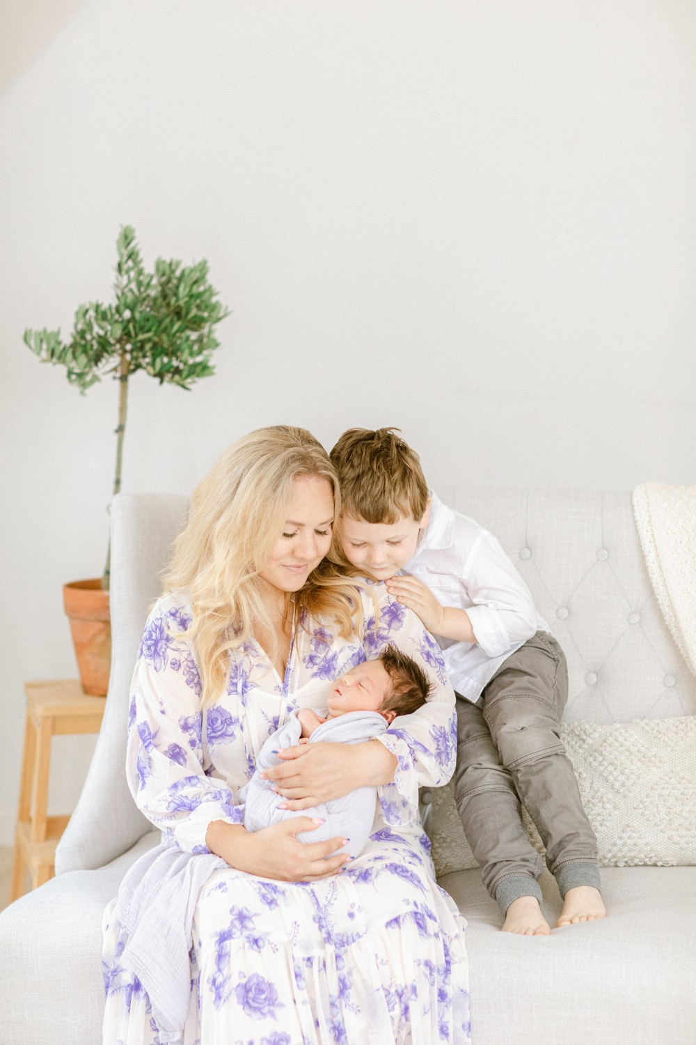 Sharing Cooper Ford's birth story with lots of newborn photoshoot ideas