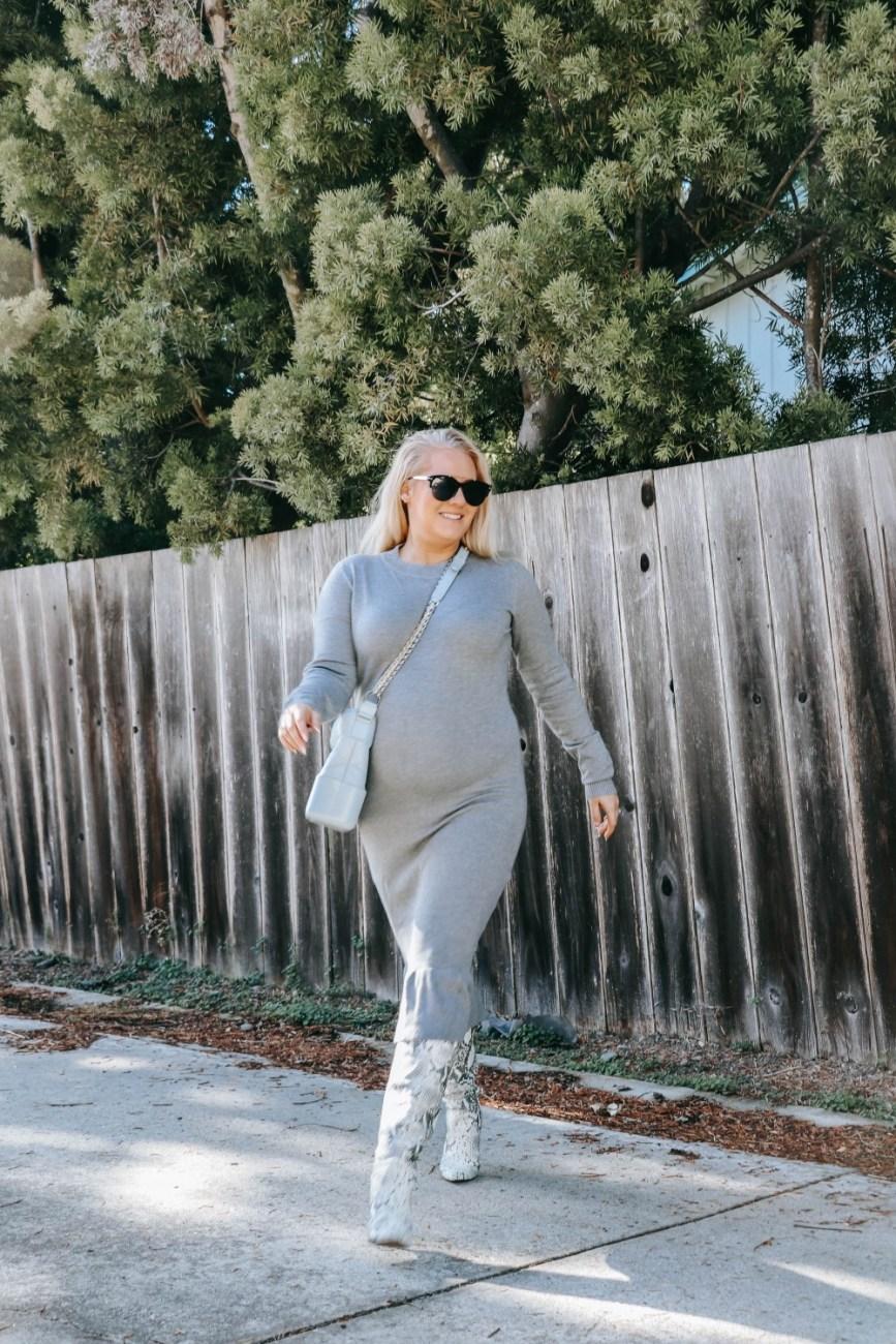 Bump friendly non-maternity sweater dress. #maternityfashion #bumpstyle #pregnancyfashion
