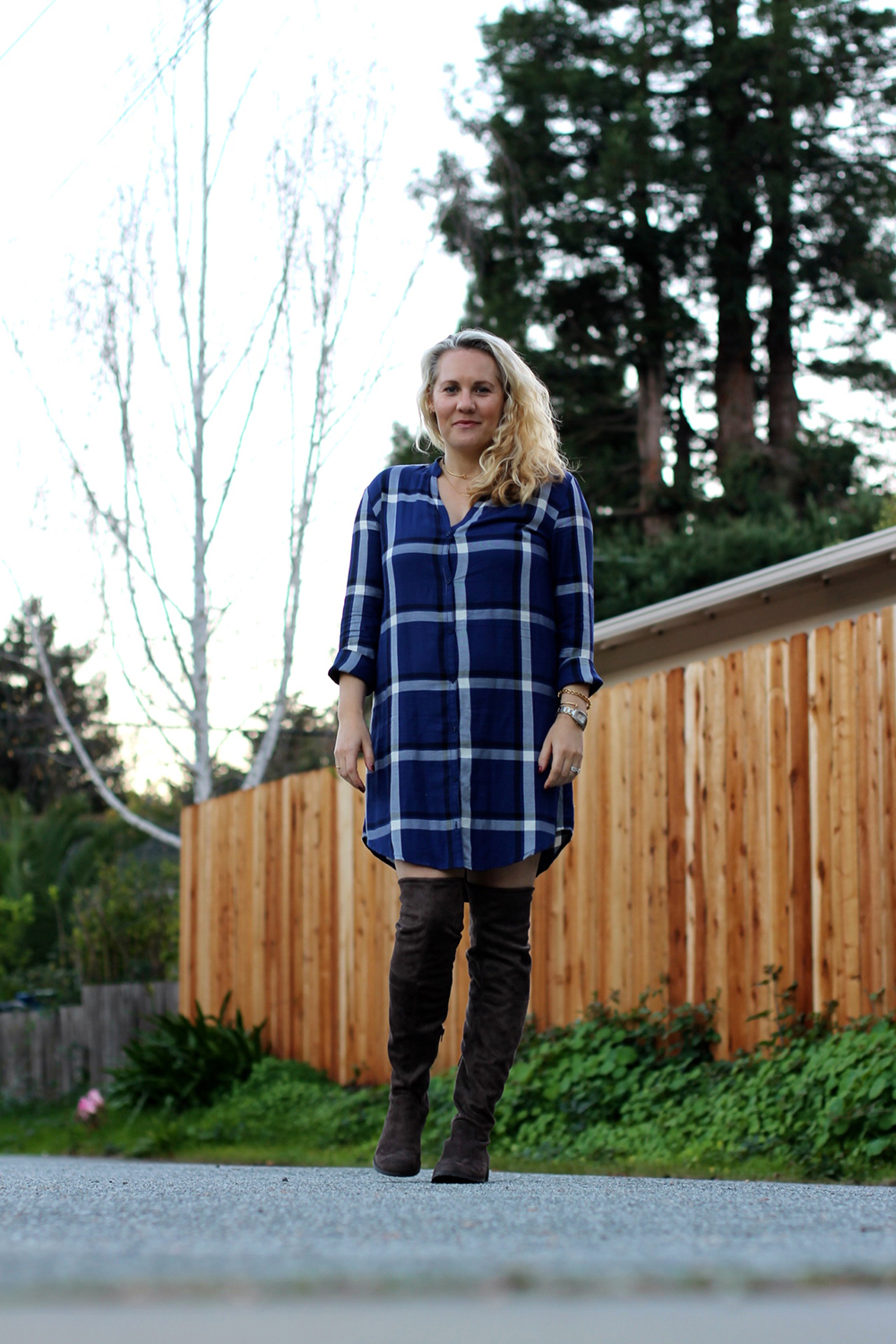 cupcakes-and-cashmere-plaid-shirtdress-outfit-inspiration-fall-fashion-mom-style-have-need-want-8