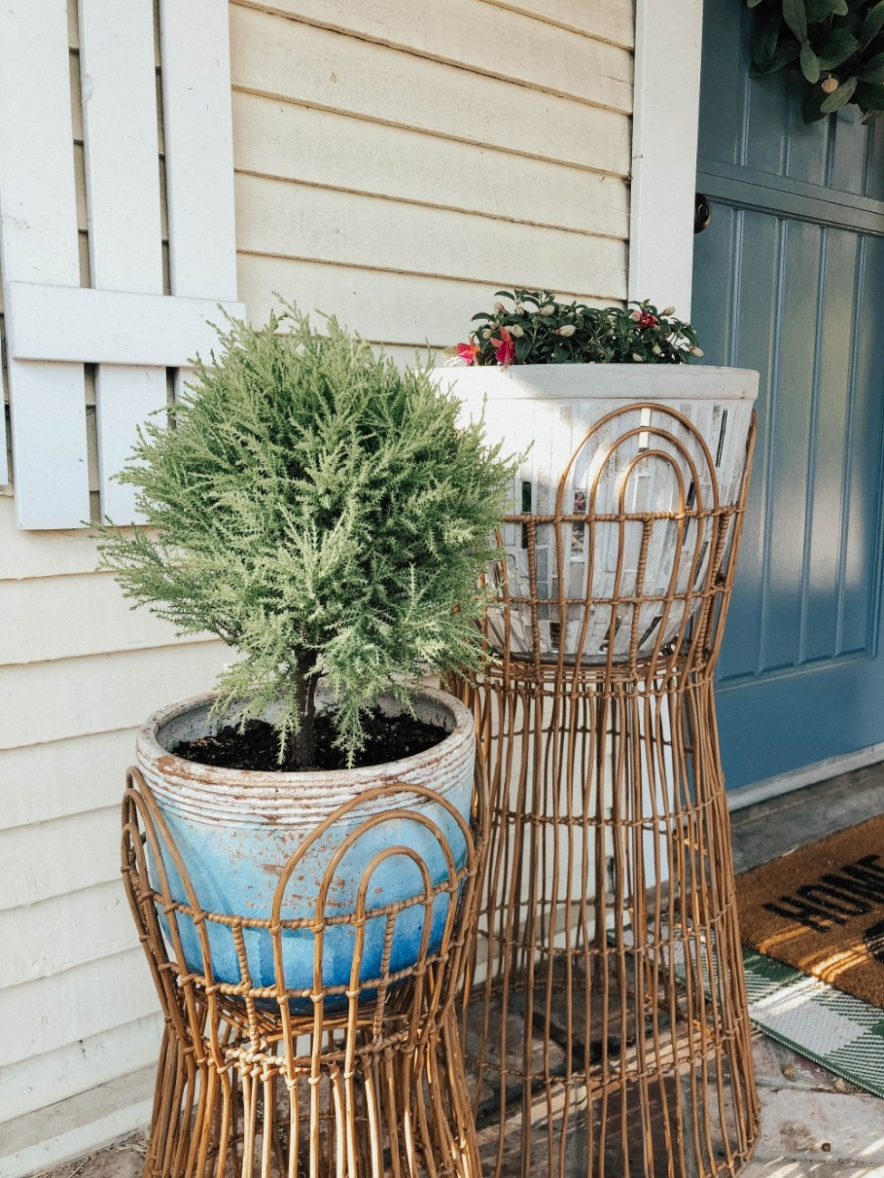 Elevate your summer with simple updates you can do around your home. Click on over to the post to check it out! #homeupdates #summer #homeandgarden #gardening #homedecor