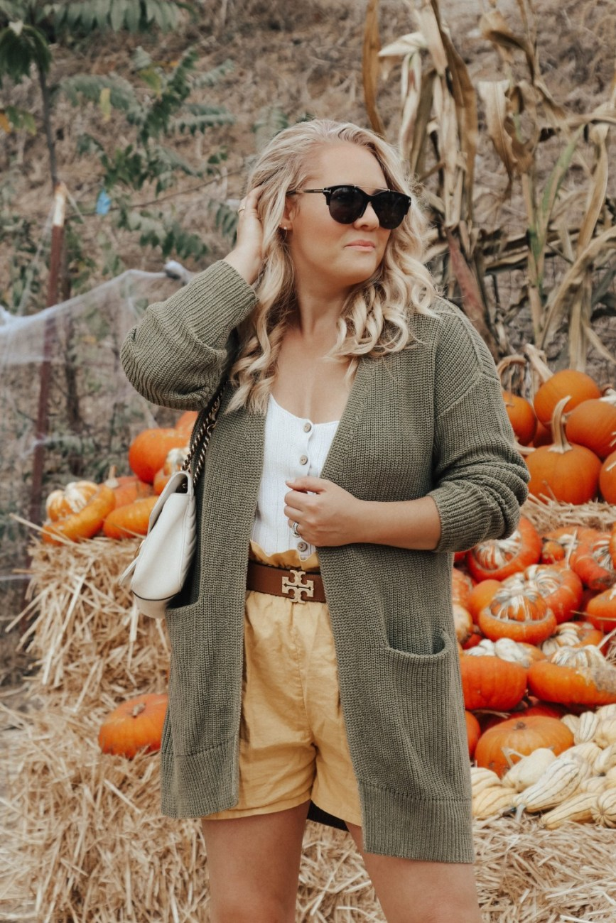 Sharing 10 tips for how to dress for fall even in warm weather. Click one to the post to get my tips and outfit details! #fallstyle #fallfashion #falloutfit