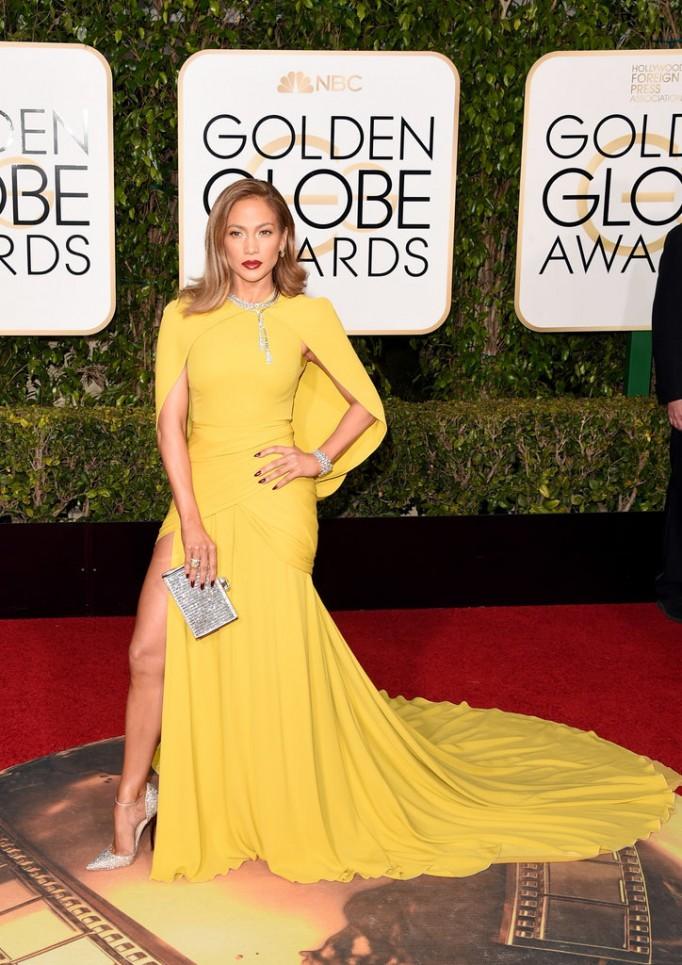 Jennifer-Lopez-Wearing a Giambattista Valli gown and Harry Winston jewels