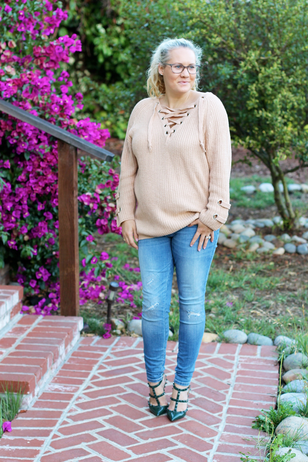lace-up-sweater-chicwish-outfit-inspiration-mom-style-fashion-blogger-have-need-want-5