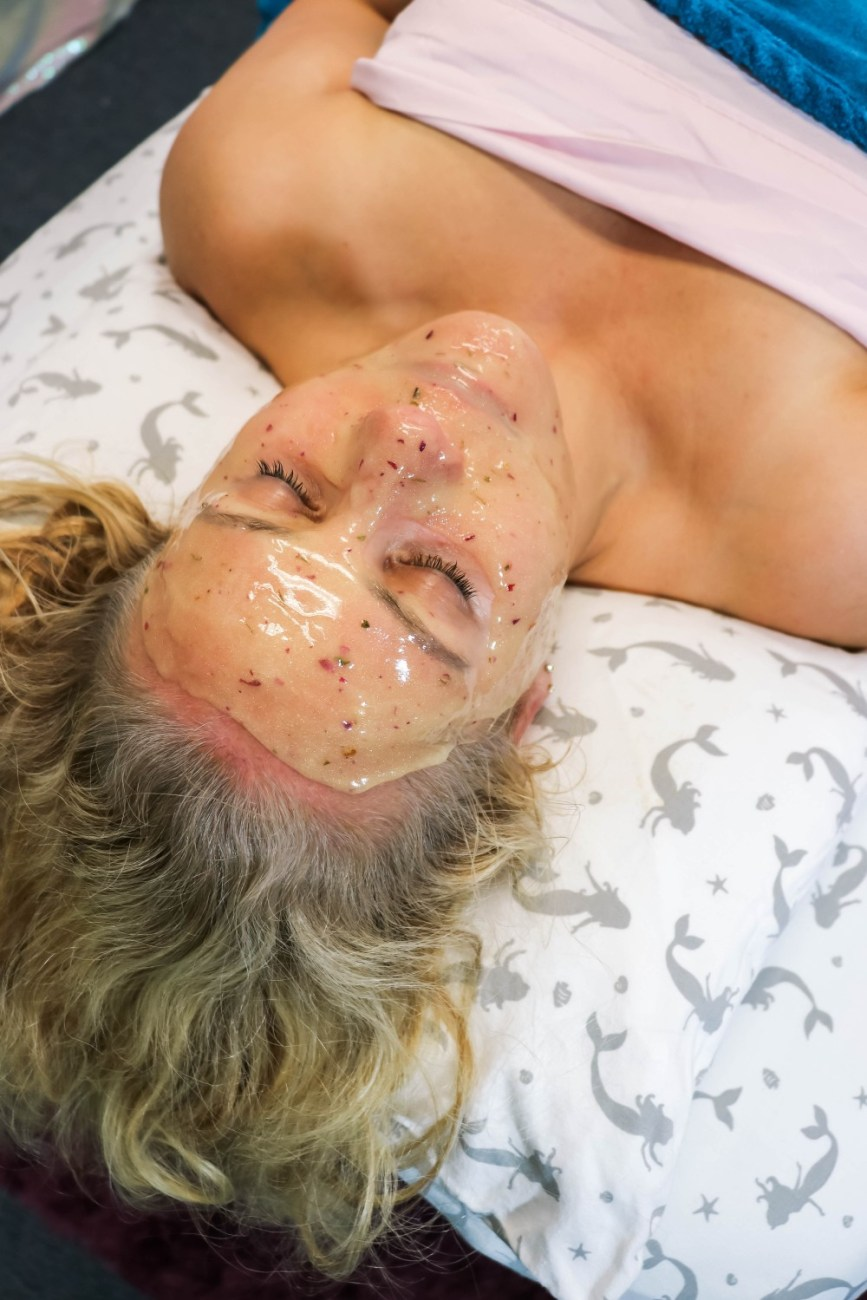 Pretty Hydrojelly mask add-on to my recent facial at Live Love Beauty in Soquel CA. #facial #hydrojellymask #hydrojelly