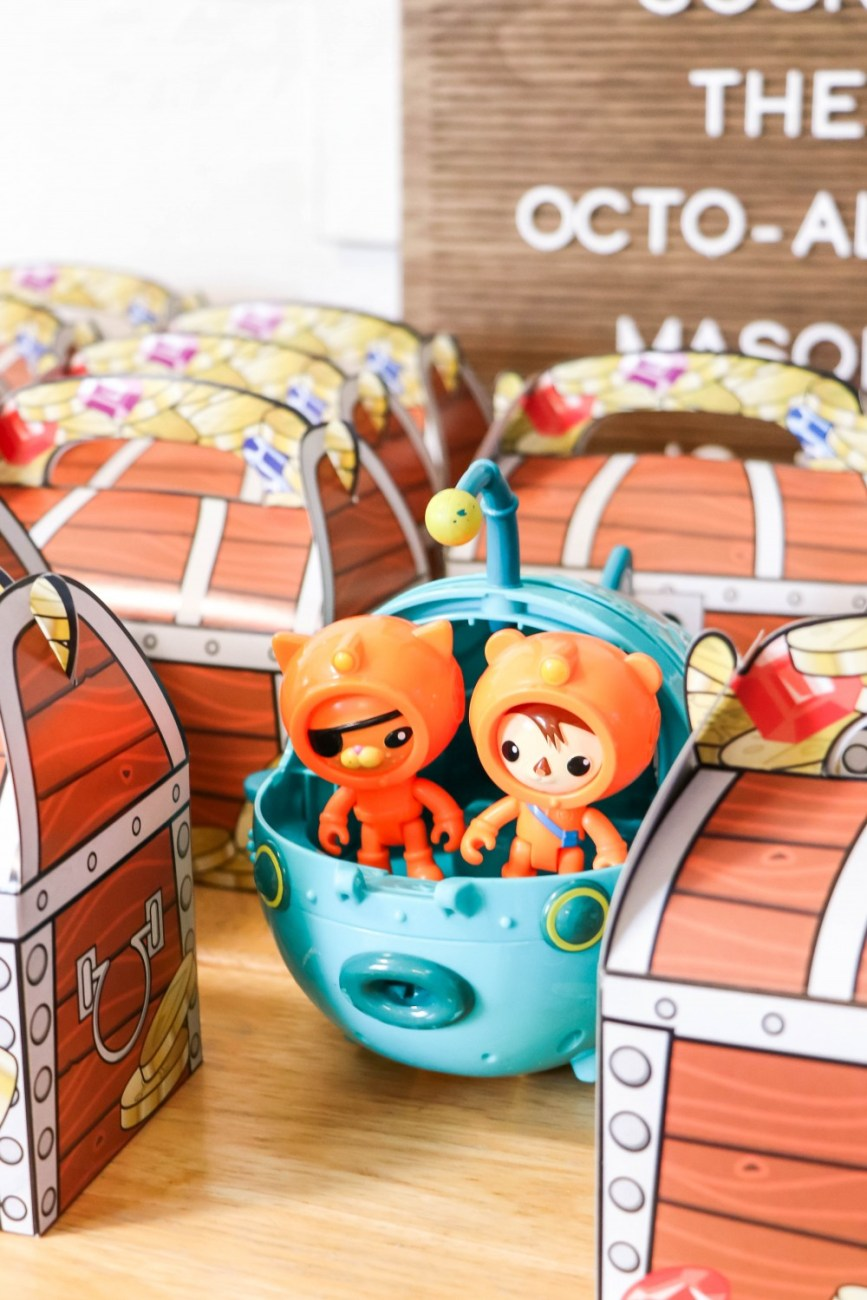Last weekend we threw Mason an Octonauts themed third birthday party. I'm sharing all the details with you on the blog so click on over to check out the post! #ocotnauts #toddlerbirthdayparty #themedbirthdayparty #ocotnautsparty #partydecor #partysupplies #kidsbirthdayideas #toddlerbirthdayideas