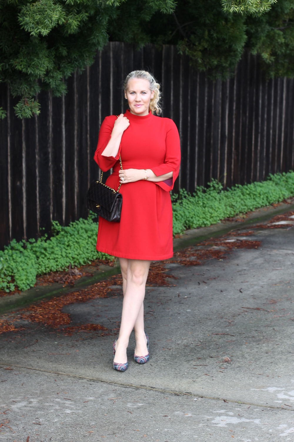 nicole-miller-lady-in-red-red-dress-holiday-style-outfit-inspiration-have-need-want