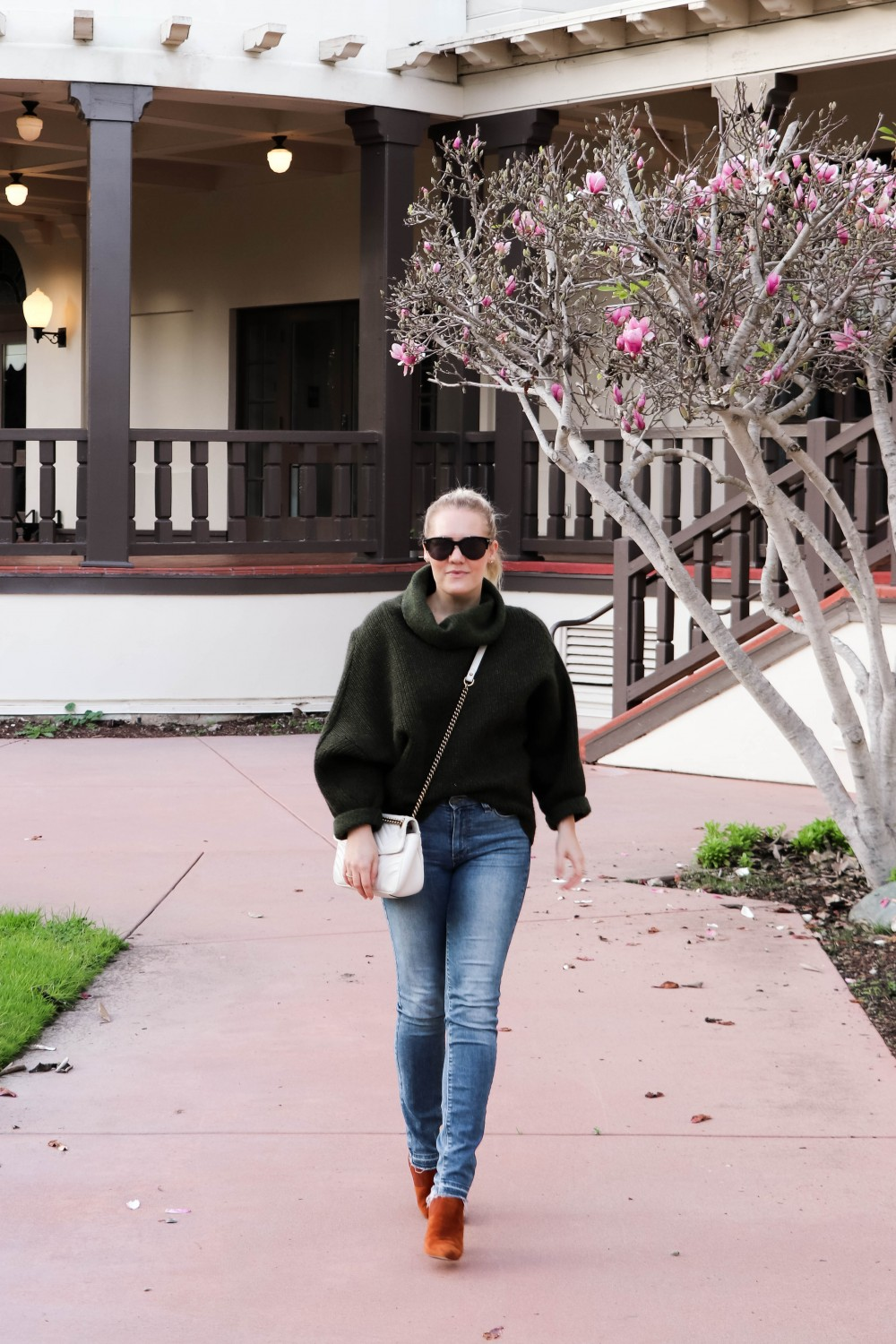 Oversized Wool Knit Sweater - Why it's  important to invest in classic pieces for your closet. Click on the photo to read the post! | Have Need Want #stylingtips #casualoutfit #winterstyle #oversizedsweater