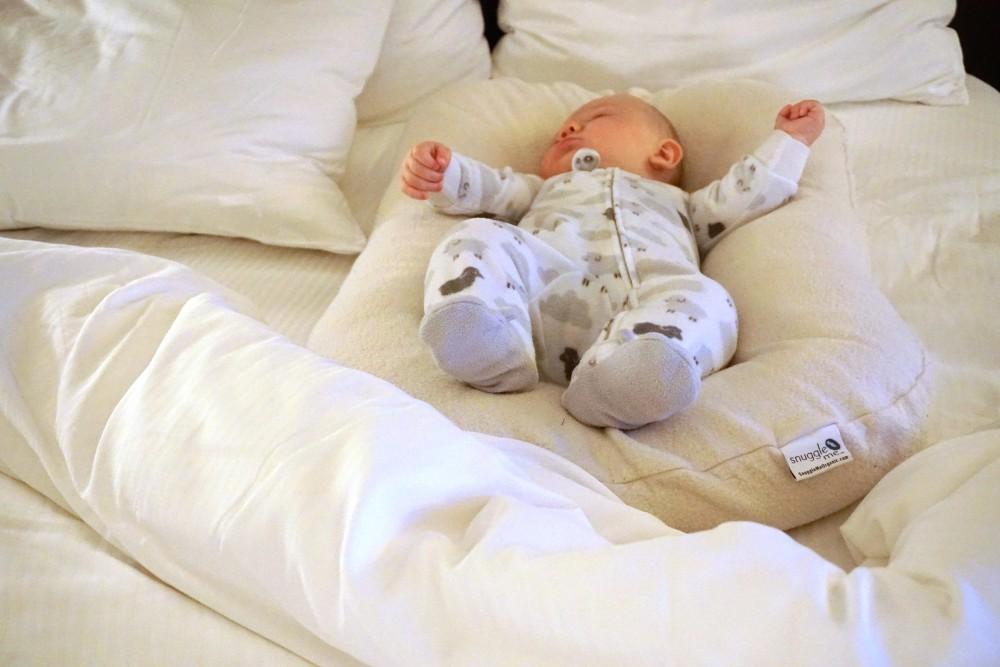 Snuggle Me Organic Cosleeper-Cosleeping with Baby-Best Cosleepers-Motherhood-Sleeping Tips and Tricks for New Moms-Newborn Sleeping Tips 9
