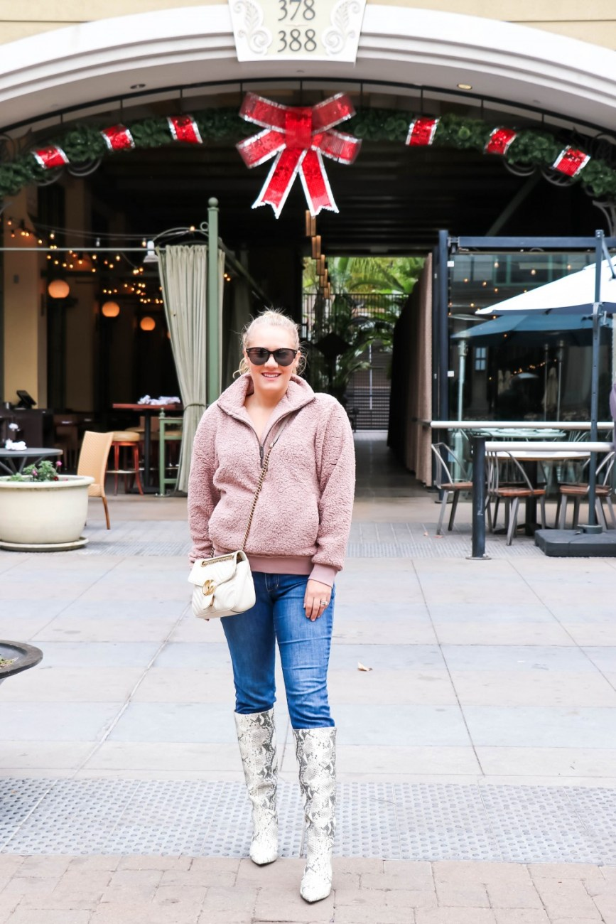 Wearing the coziest teddy fleece pullover on the blog today!! This fuzzy pullover would make a great gift and it's under $45! Head to the post to get all my outfit details! #teddyfleecepullover #teddypullover #sherpapullover #casualoutfit #snakeskinboots