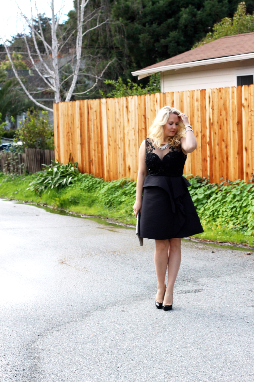 warmest-wishes-this-holiday-season-have-need-want-holiday-style-lbd-outfit-inspiration-7