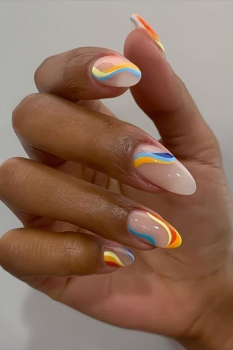 Wavy nail art trend for summer
