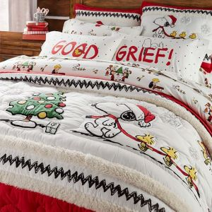 peanuts-holiday-quilt