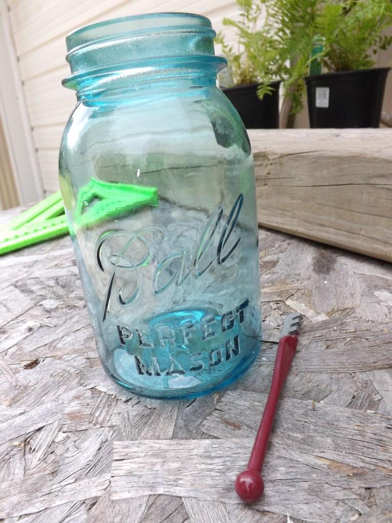 Glass Cutter and Mason Jar