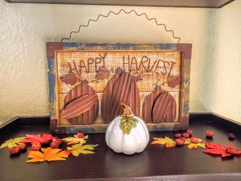 Happy Harvest sign