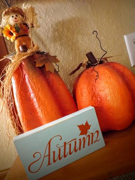 blue & orange autumn sign