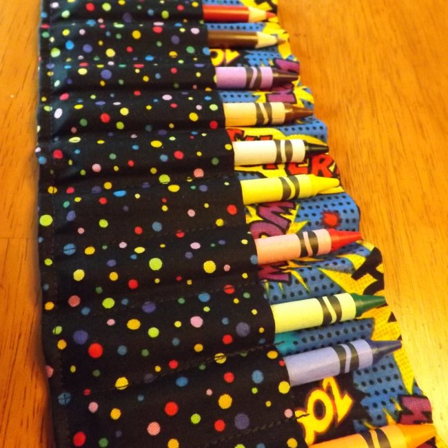 Comic Book/Polka Dot Crayon Roll Up