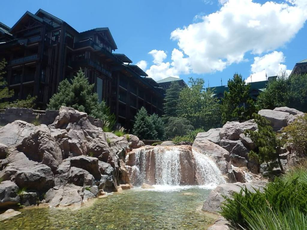 Hotel review copper creek villas and cabins at walt for Copper creek villas cabins