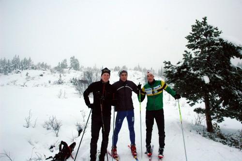 Årets første skitur (F.v. Aleksander Østhagen, Magnus M. Larsen og meg)