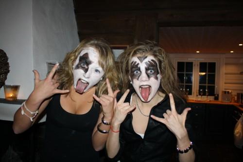 Maren MH og Anekke som the Kizz :)