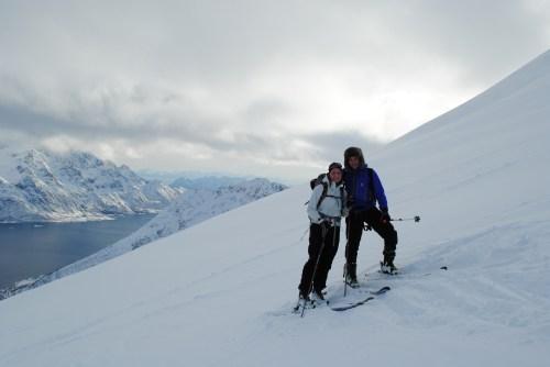 På vei opp mot toppen den første dagen i Lofoten.
