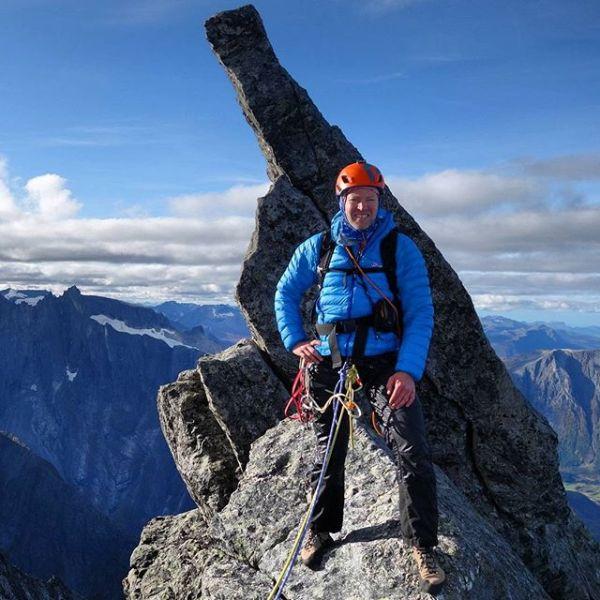 @multiadventures fornøyd med å ha pusha vertikale grenser i fjellet i går.