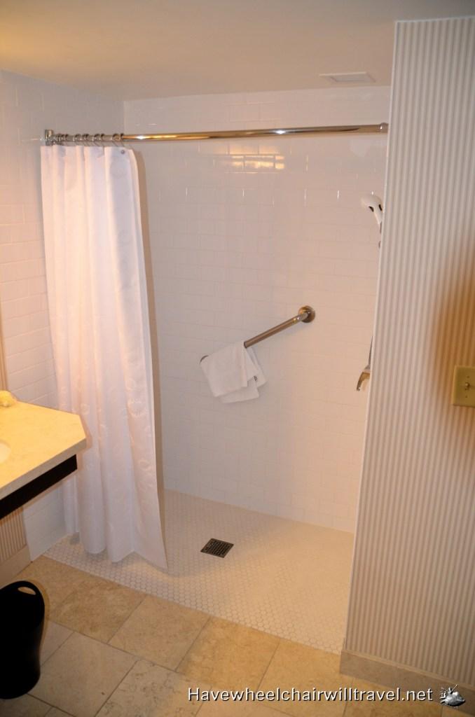 sheraton accessible bathroom