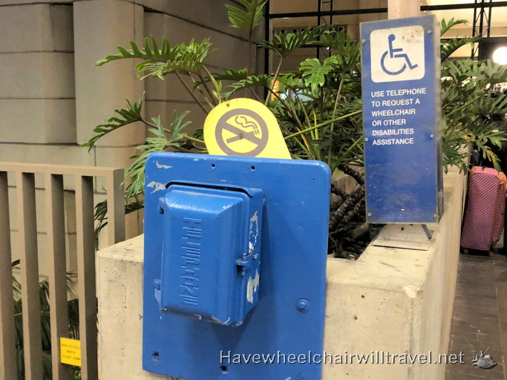 Los Angeles Airport - accessibility Tom Bradley Terminal