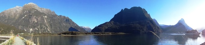 milford-sound-view-from-shore