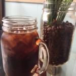 ハワイカイでゆっくりするなら、ここのカフェが一番のおすすめです。最高の景色で、最高のコーヒーが飲めますよ。