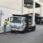 トランプ大統領ハワイ11月3日。現地ワイキキの最新情報です。なぜか電気工事の車がいっぱい。11AM(No.2)