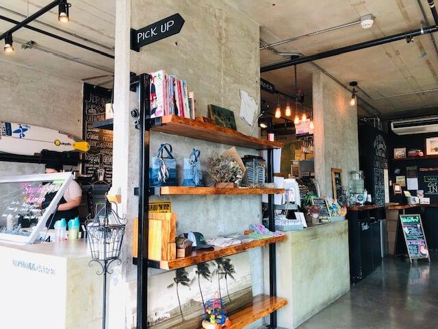 Up Roll café(アップ・ロール・カフェ)