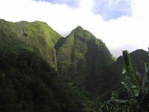West-Maui-Mountain-300x225.jpg