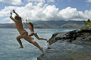 Klippen springen im Hawaii Urlaub