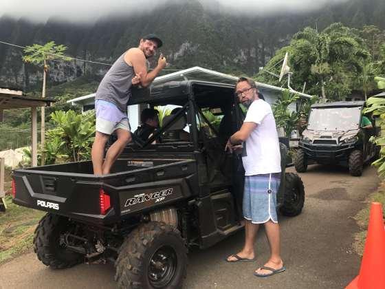 Betty goes Hawaii Crew