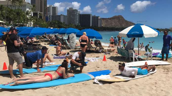 Surfen lernen in Hawaii mit Betty Taube