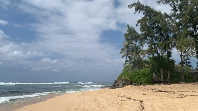 Kilometer langer Sandstrand Hawaii