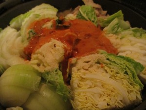 このままふたをして、お野菜が柔らかくなりまで煮込みます!