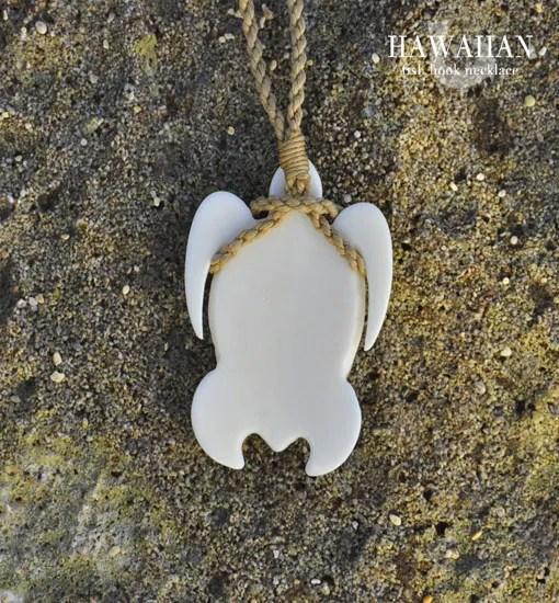 hawaiianturtlenecklaceback