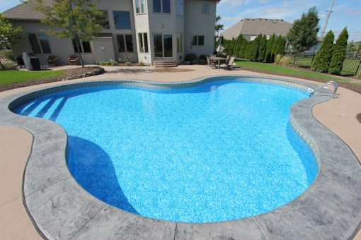 Residential - Pool with 3 Symmetrical Curves