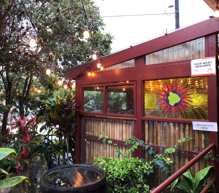 Big Island Brewhaus, stained glass window