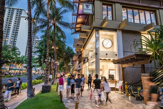 Number of Hawaii visitors up but spending down