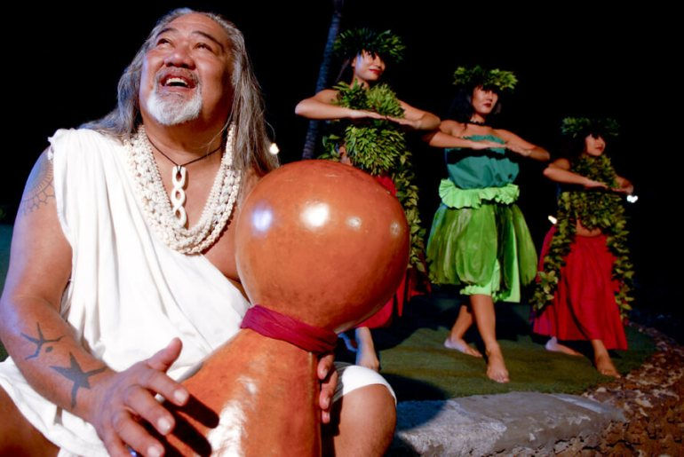 The Best Luau in Maui featured by top Hawaii travel blog, Hawaii Travel with Kids: Looking for a kid-friendly Maui luau? The Old Lahaina Luau is very popular with families.